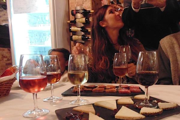 Varianten von Málagawein zu Käse und Wurst