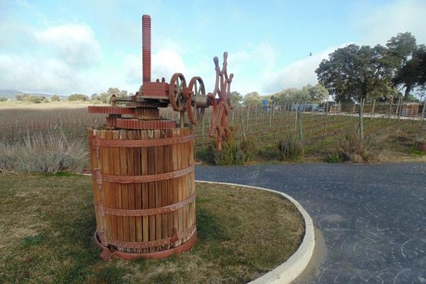 Alte Weinpresse auf dem Weingut