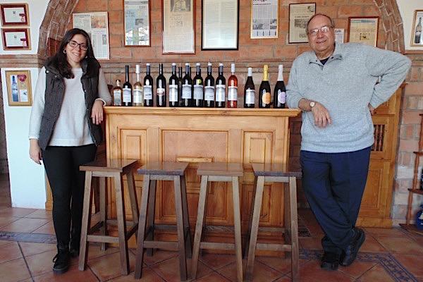 Juan Palomar und Rosa Maria bei ihrer Weinkollektion