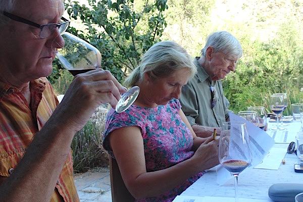 Alan, Anne, Lars bei Verkostung Alpujarra vs. Spanien