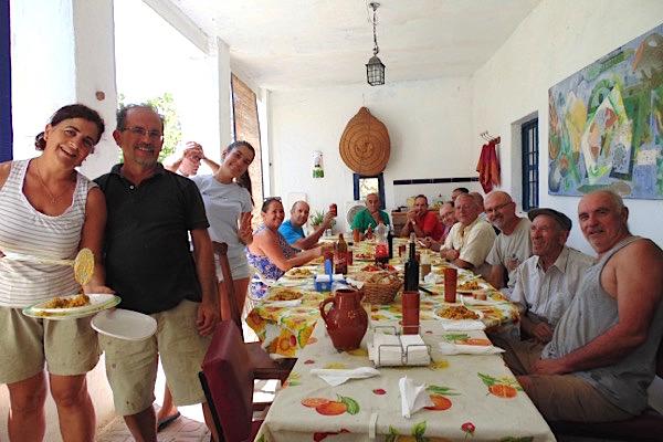 Paella mit den Erntehelfern von Rambla Huarea