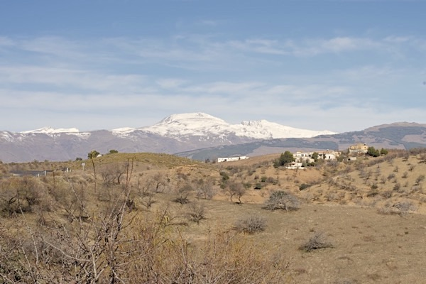 Sierra de la Contraviesa mit den bodegas Barranco Oscuro und Los Barrancos