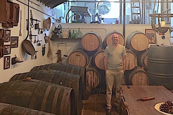 Im Weinkeller bei Vinos Jarel.
