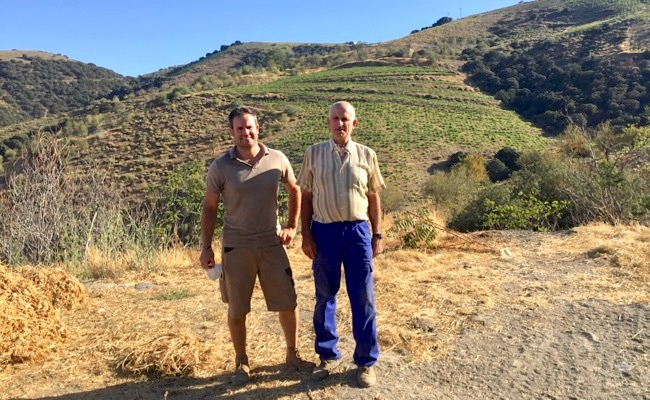Von Alberto und Antonio Garcia kommt der klasse Orange Wine Mil Pieles 2019.
