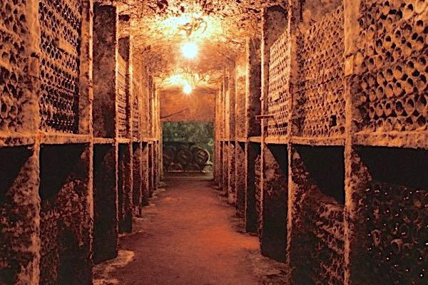 In der Ruhe liegt die Kraft: Alle Tondonia-Weine durchlaufen ein vier- bis zehnjähriges Flaschenlager, bevor sie in den Verkauf gehen.