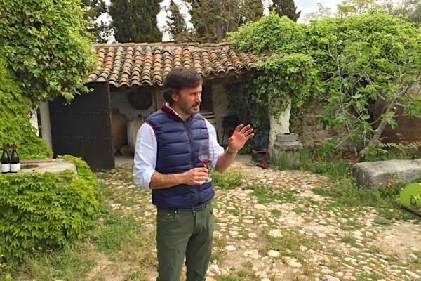 José Jimenez-Landi im Innenhof des Weinguts. Ein Anwesen aus dem 16. Jahrhundert.