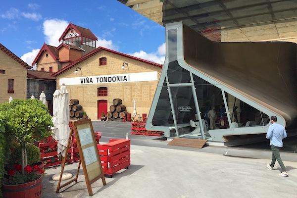 Der Eingang zu Viña Tondonia im Eisenbahnviertel von Haro